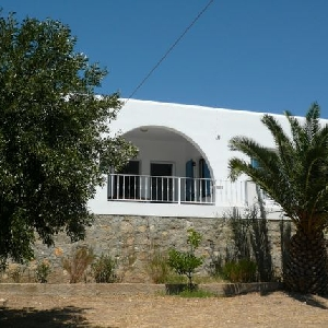 House with garden and Sea view in Megas Gialos