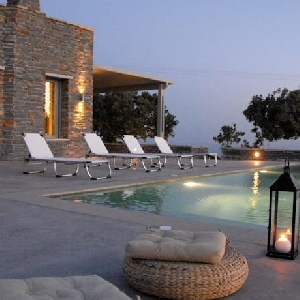 Villa with great view and pool in Kea