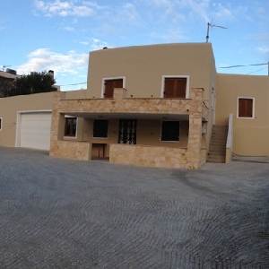 2 Storey House in Megas…