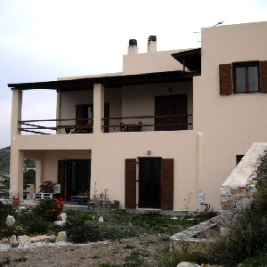Detached house at Poseidonia
