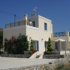 Detached family house at Chroussa
